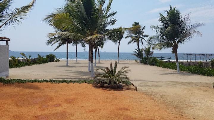 Depto frente a la playa.