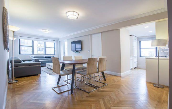 3-BEDROOM APARTMENT AT UPPER EAST SIDE MANHATTAN