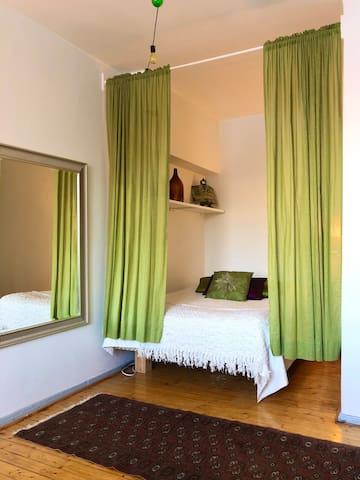 Cozy Vintage Apartment in the Heart of Kallio