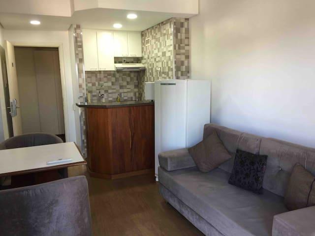 Flat/Hotel com Restaurante SJC ao lado CTA , locação temporário,Cond. e despesas incluidas e Limpeza diaria