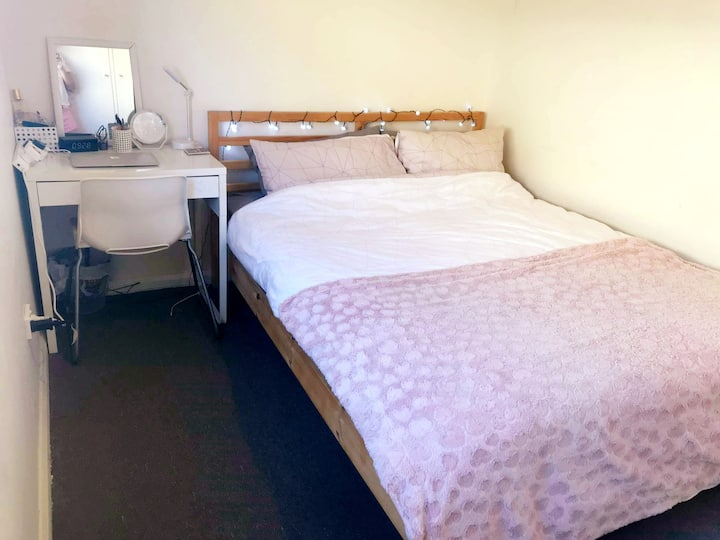 Nice and comfy private single room