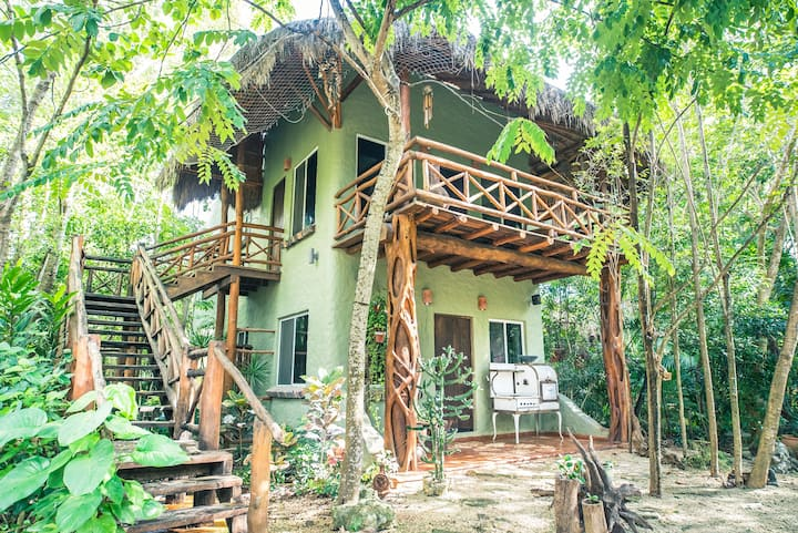 Chakà Bungalow at Jungle James!...