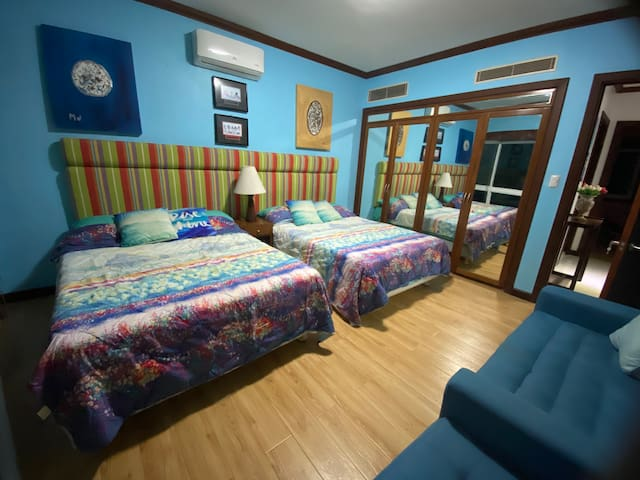 Blue room with 2double beds fully renovated