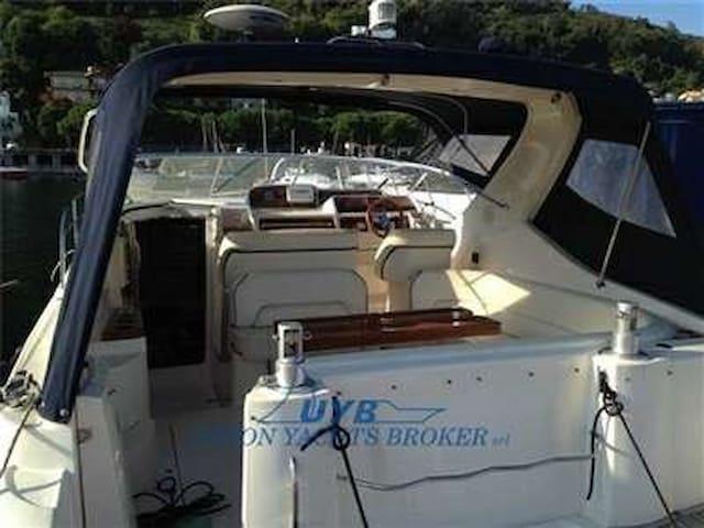 4 bädds 33-fots yacht i sommarmecka - Kungshamn - Boat