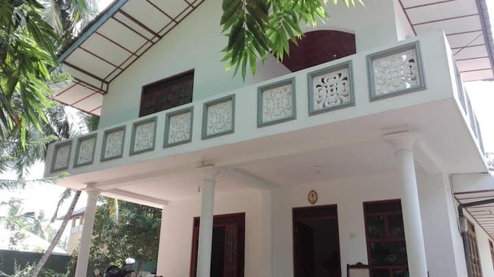 Karma - A lovely 4bedroom house 5min from beach