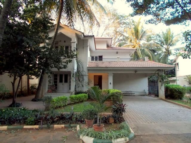 Private room in a beautiful villa in Whitefield - Bangalore