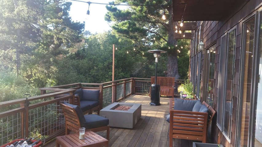 Deck has firepit and heater
