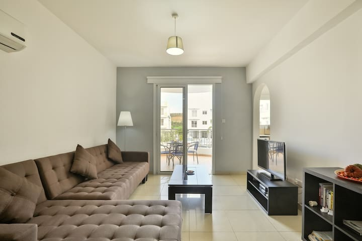 2 Bedroom Apartment in Pyla