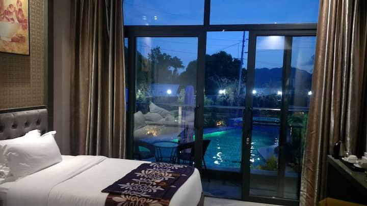Vienna Hotel 2 海景豪华大床房(Deluxe room king bed)