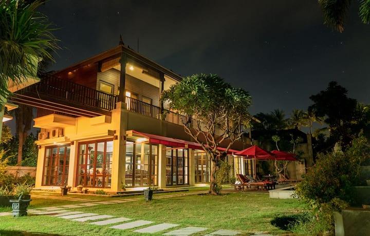Villa Puri Purnama Poolside Twin Bedroom