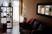vista del salon y puerta de la terraza