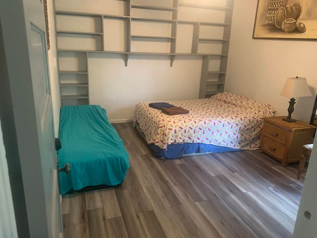Large bedroom very close to D-town Denver