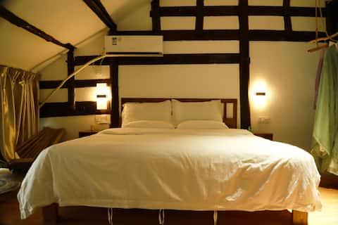 忘我,庭院式新中式大床间(汉服免费拍照)同名酒馆优惠