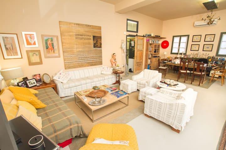 150sq m2 Artistic Villa easy access - Mesaria - Casa