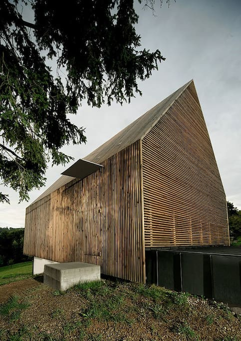 House, exterior SE – entrance