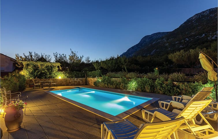 Holiday apartment with 2 bedrooms on 62 m² in Gata