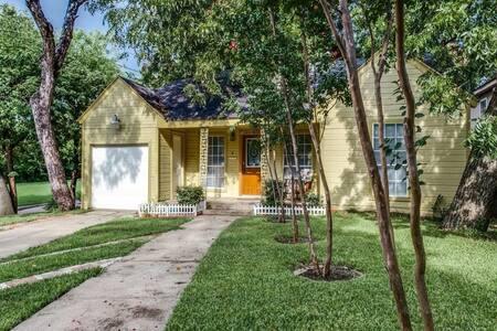 Bishop Arts Home with Big Backyard - Dallas - Hus