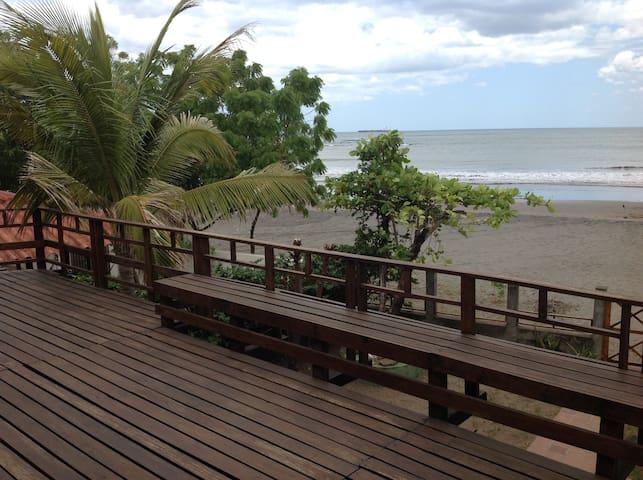 LINDA CASA DE MADERA EN PLAYA MIRAMAR - Miramar - Отпускное жилье