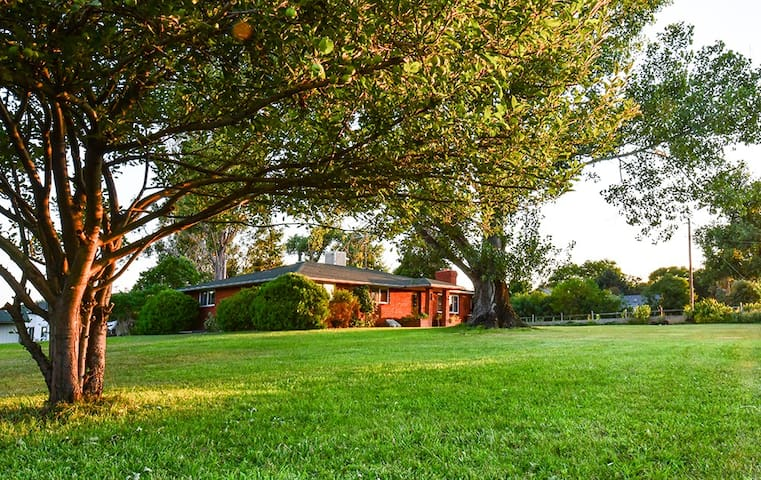Brilliant C Acres Farmhouse; Master Suite - Mead