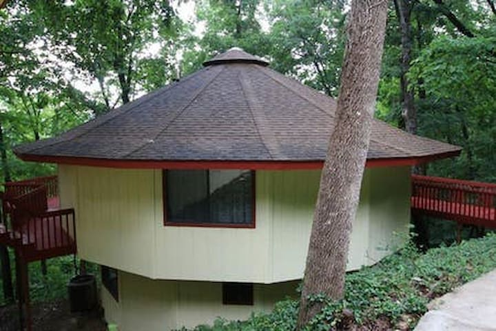 Taylor Treehouse