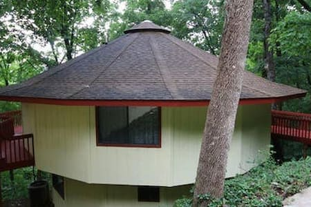 Taylor Treehouse