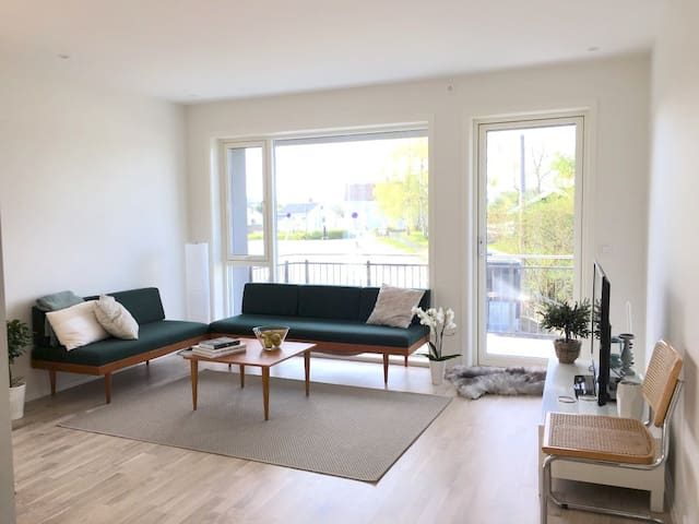 Modern apartment by Lerkendal with private balcony