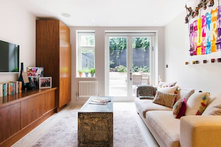 Chic, Arty Apartment with Garden Patio in Hampstead