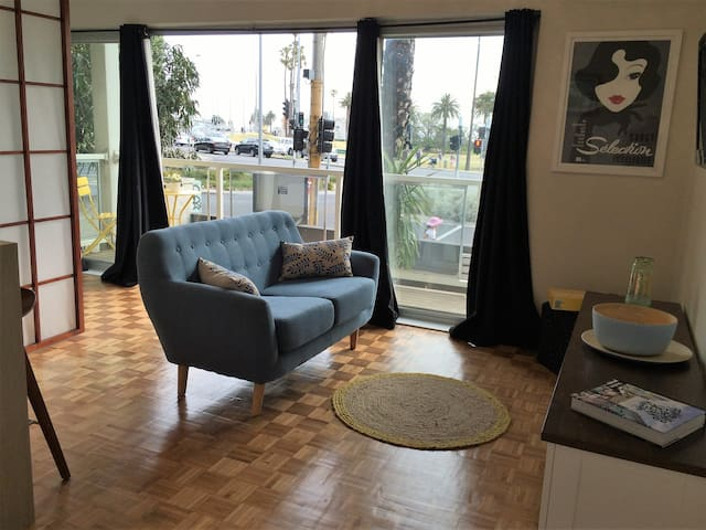 Stunning St Kilda studio with awesome beach views - Saint Kilda West