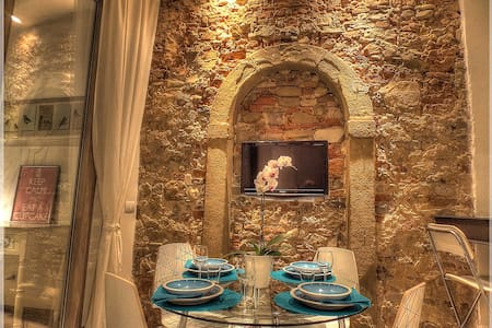 A Modern House in the Ancient Heart of Santa Croce