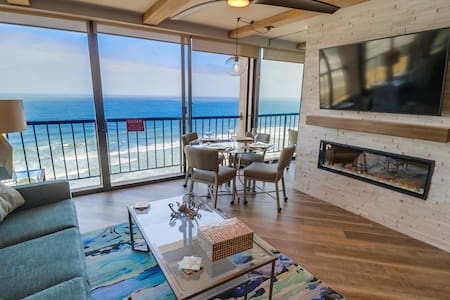 Mermaid Crossing at Capri by the Sea: Oceanfront with Pool, Hot Tub & Rooftop Deck