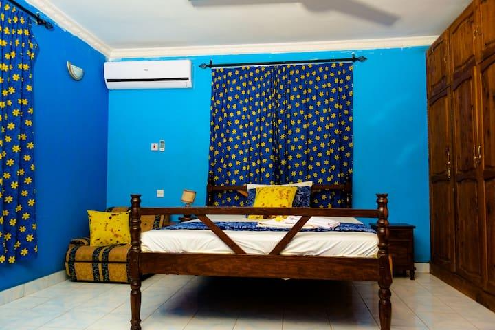 Beautiful Blue room on the Beach in a Luxury Villa