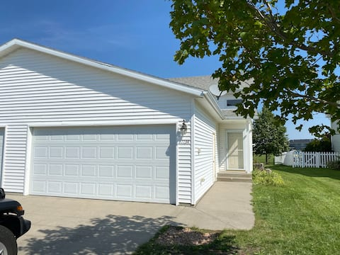 Cosy townhome in West Fargo
