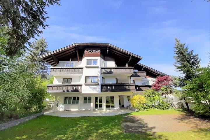 Luxuriöses Ferienhaus in Altenmarkt im Pongau mit Hallenbad