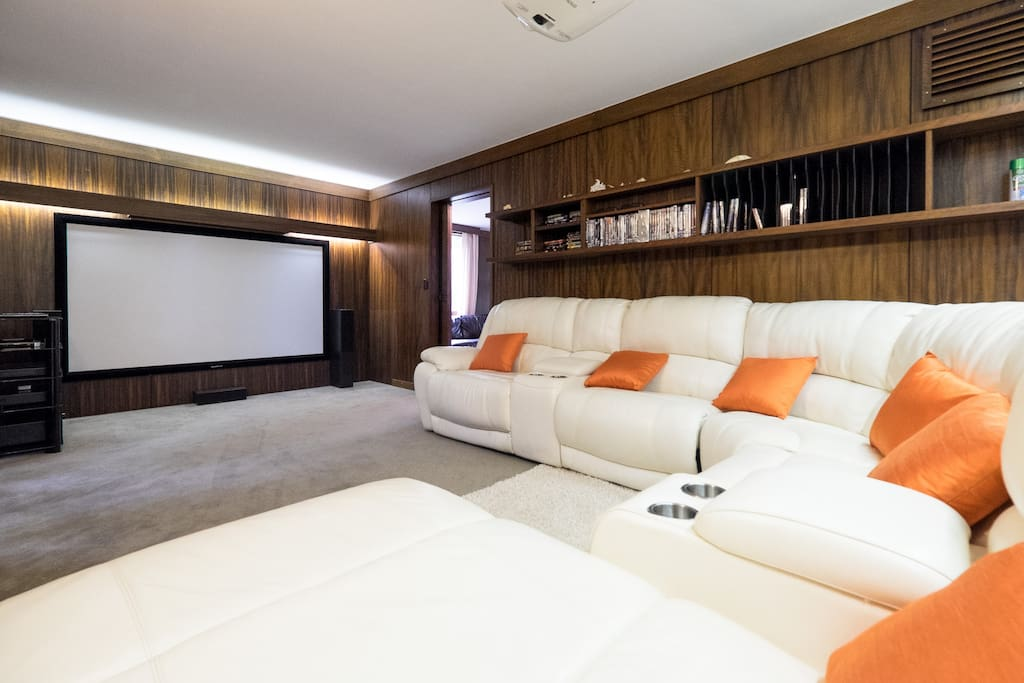 The cinema room is in a separate annex and part of the games room. Perfect for a private screening!  DVD player and  Foxtel if required. Large screen with projector.  Space on the floor for two single blow up mattress if required.