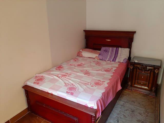 Quiet cozy Room for 2 in the Heart of Degla Maadi