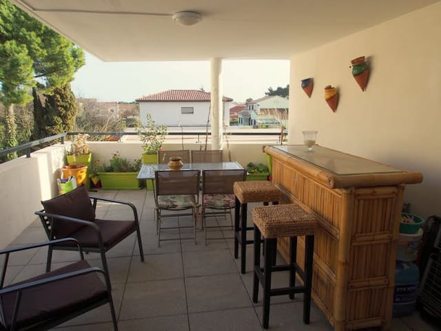 Appartement neuf avec grande terrasse - Villeneuve-lès-Maguelone - Apartmen