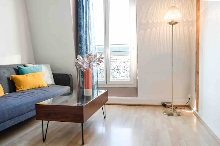 2 rooms flat PARIS 11eme