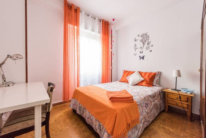 BF1 Bed for  2 person on Madrid+WIFI - Madrid - Apartment