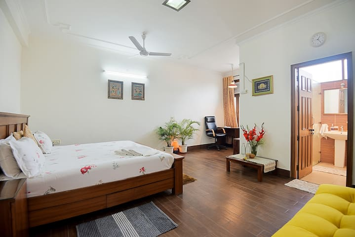 Centrally located , 5 Min walk to metro station .