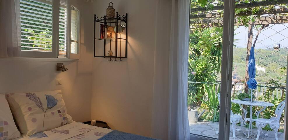 Studio suite and terrace