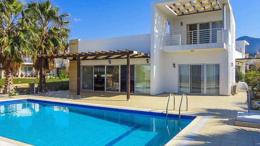 North Cyprus - Villa Beach View