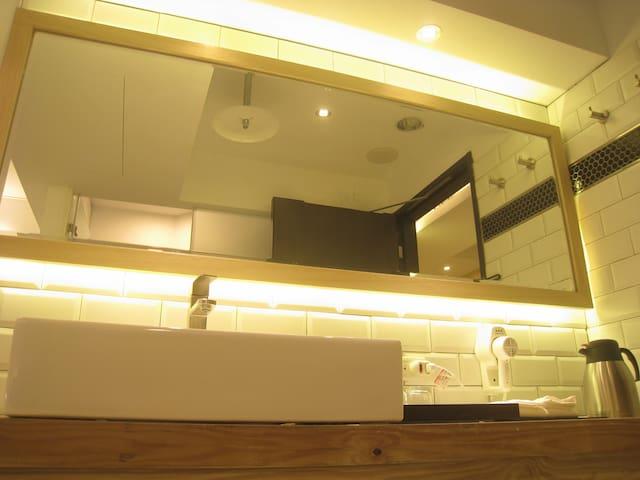浴室大鏡台