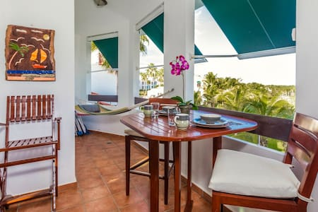 Villa Pacifica   Gorgeous resort villa with Golf Cart, Pool, Tennis, and Beach