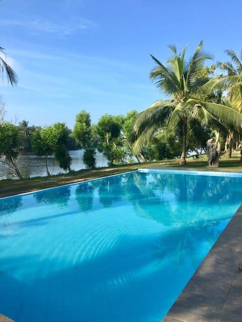 Villa on Island-near Colombo airport and Negombo