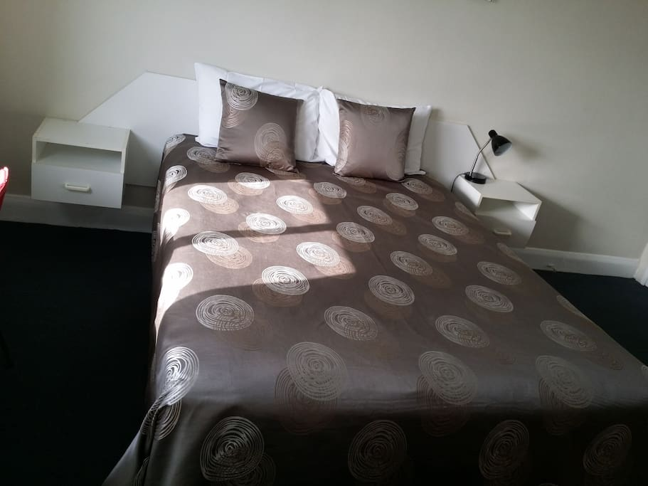 Queen-size bed and linen