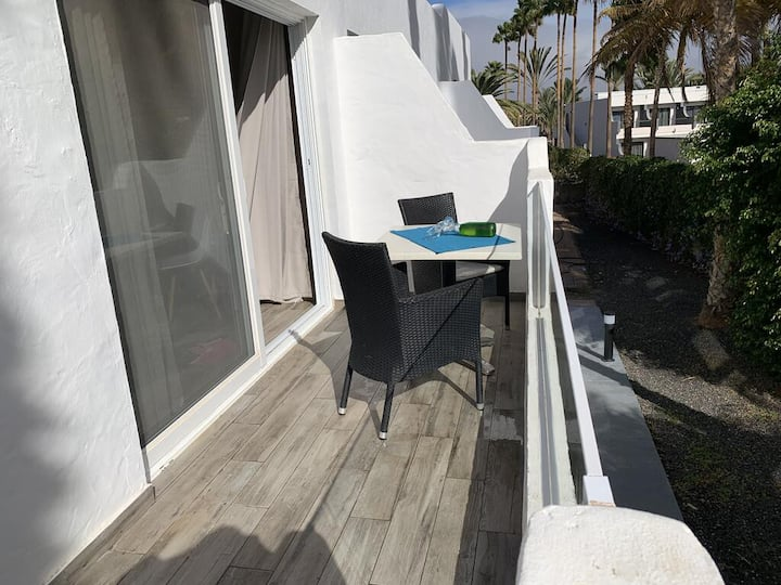 Air-Conditioned Apartment Tarajalejo Beach Deluxe with Balcony & Wi-Fi