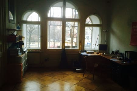 Nice, light and friendly room - Berlino - Bed & Breakfast