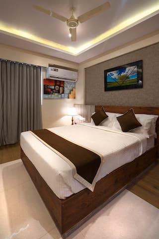 Room  for 4 Near Bannerghatta Mn Road