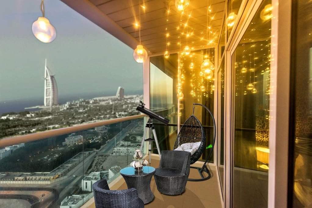 Beautiful beach and city view from your balcony. 5 iconic views from 1 balcony. Fairy lights  in balcony gives a romantic ambiance to over all environment.