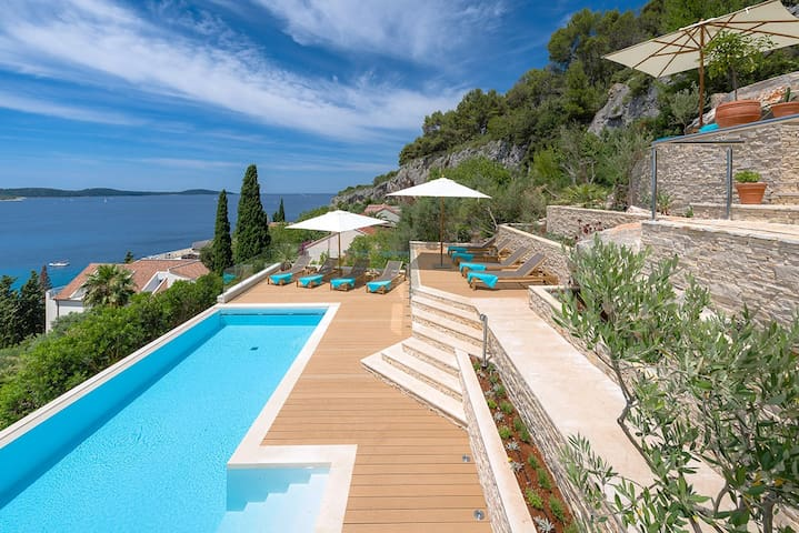 LUXURY VILLA HVAR CARPE DIEM - ORGON